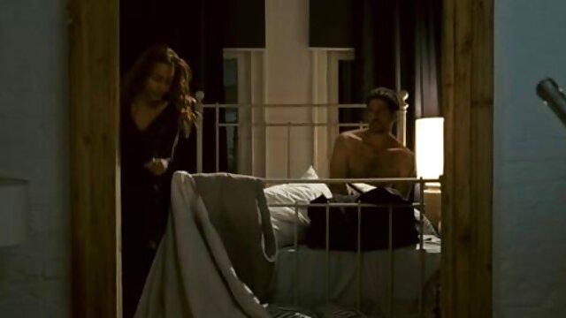 آنا تايلور ممتعة مع صديقها اسماء افلام اجنبيه جنسيه على الأريكة الجلدية