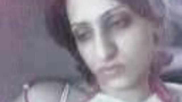امرأة سمراء الساخنة كاترينا اليشم يحصل مارس الجنس xnxx من افلام اجنبي على غطاء محرك سيارة