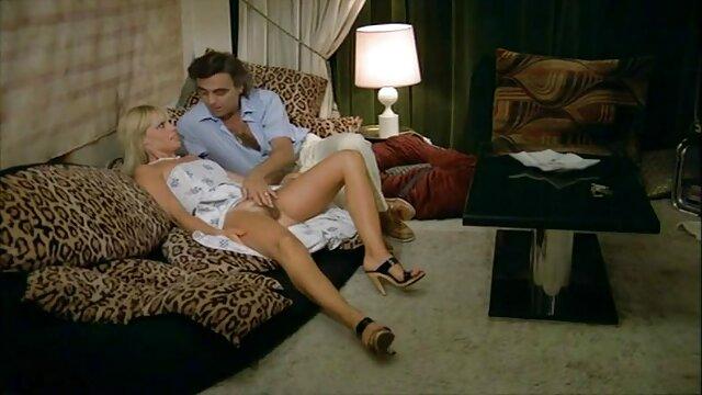 جميلة التعارف مع افلام جنسية اجنبية للكبار شقراء